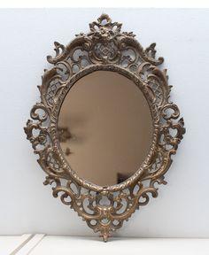 Pequeño espejo bronce antiguo