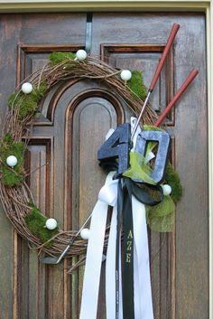 The Blackberry Vine: Golf Wreath for golf party except without the 40 Golf Crafts, Golf Wedding, Sports Wreaths, Golf Theme, 40th Birthday Parties, Birthday Ideas, Golf Party, Party Time, Blackberry