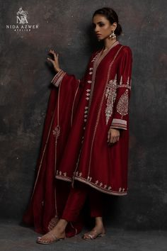 Post wedding dinner/ dawat outfit Inspo for newly wed brides Pakistani Fashion Party Wear, Pakistani Wedding Outfits, Pakistani Dresses Casual, Pakistani Dress Design, Indian Dresses, Indian Outfits, Indian Fashion, French Fashion, Indian Attire