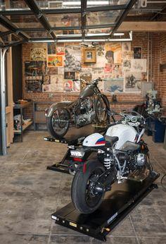 BMW motorrad and the house of machines open motorcycle minster in LA Motorcycle Workshop, Motorcycle Shop, Motorcycle Garage, Design Garage, Loft Design, Cool Garages, Custom Garages, Showroom Interior Design, Bike Shed