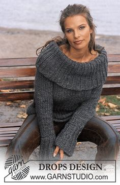Knitting Patterns Sweter DROPS sweater with big collar in 'Eskimo' Free instructions from DROPS Design. Crochet Pullover Pattern, Poncho Knitting Patterns, Knit Patterns, Knit Crochet, Free Knitting, Finger Knitting, Knit Cowl, Hand Crochet, Knitting Tutorials