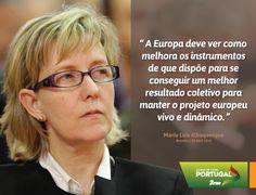 Maria Luís Albuquerque, Vice-Presidente do Partido Social Democrata, em declarações aos jornalistas antes do debate do Partido Popular Europeu sobre a União Europeia e a economia global. #PSD #acimadetudoportugal