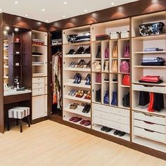 HOME DECOR: 25 Fantastic Future Dressing Room Ideas - Clothes Room #manchesterwarehouse