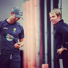 Shane Warne does some work with Nathan Lyon in the nets #Ashes #Cricket