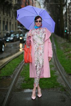 I love the print, jkt, umbrella etc... but the bag needs to go.The 20 Best Street Style Looks from Milan Fashion Week.