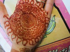 DIY Henna Paste for Henna Tattoos via Etsy