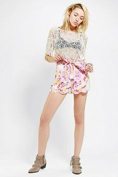 Stone Cold Fox X UO Scalloped Short LOVE THESE SHORTS! (xsmall or small)