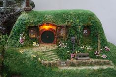 Miniature Hobbit house- Handmade Miniature-The Hobbit: An Unexpected Journey , Diorama in 1/35 scale