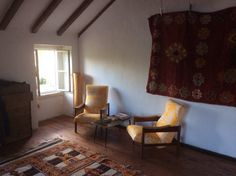 Całe miejsce w Sintra, Portugalia. Our charming little house features bare brick walls and wood panelled kitchen , a mix of mid century and Moroccan features make it a comfortable and relaxing environment, double bed and double folding couch ,perfect for two couples or couple with ...