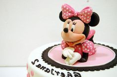 Minnie Modelada en Azúcar