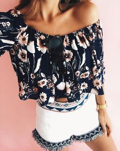 """1,233 Likes, 25 Comments - The Darling Detail . Jessi (@jessi_afshin) on Instagram: """"How bout those florals ☀️ obsessing over this outfit, get the details:: http://liketk.it/2qUAP…"""""""