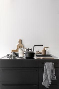 Black kitchen inspo