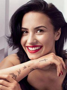 Demi Lovato en sous-vêtements pour Allure Magazine, c'est élégant ...