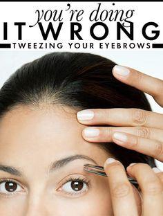 how to tweeze your eyebrows