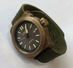 Technic-Blancier Full Bronze watch with Swiss Made Automatic Valanvron movement. Vintage green strap made from Italian leather Trendy Watches, Best Watches For Men, Cool Watches, Army Watches, Seiko Watches, Sport Watches, Bronze, Men Accesories, Affordable Watches