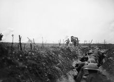 A raiding party from the 9th Battalion, Scottish Rifles (Cameronians), leaving a sap and making for the German lines, 11 April 1917.
