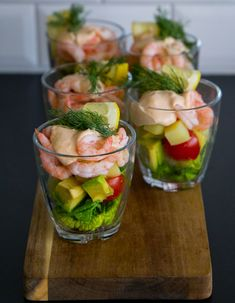 7 Brilliant Retirement Party Ideas to Jazz up Your Get-Tog Finger Food Appetizers, Appetizers For Party, Appetizer Recipes, Shot Glass Appetizers, Seafood Recipes, Cooking Recipes, Healthy Recipes, Good Food, Yummy Food