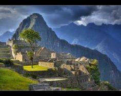 Highest resolution Machu Picchu picture ever taken   ScienceDump  See the image: http://bit.ly/Gigapixel-MachuPicchu