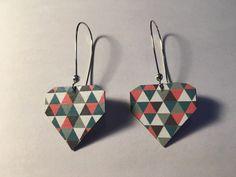 Boucles d'oreille forme diamant papier à motifs : Boucles d'oreille par bamboo