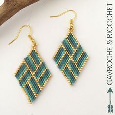 Welcome to Gavroche et Ricochet Seed Bead Art, Seed Bead Jewelry, Seed Bead Earrings, Diy Earrings, Beaded Earrings Patterns, Beading Patterns, Beaded Banners, Beadwork Designs, Bead Sewing