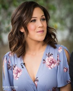 Erin on Home and family Hair Dos, My Hair, Elizabeth Thatcher, Daniel Lissing, Erin Krakow, Cute Beauty, Brunette Hair, Celebrity Hairstyles, Cut And Style