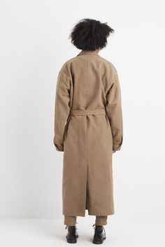 Can Pep Rey is a womenswear brand based on the relative concept of living space, fashion and art.