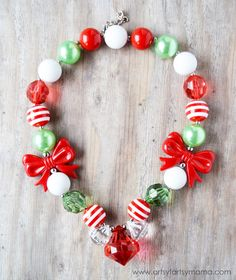 @fizzypops Holly Jolly Christmas Necklace at artsyfartsymama.com