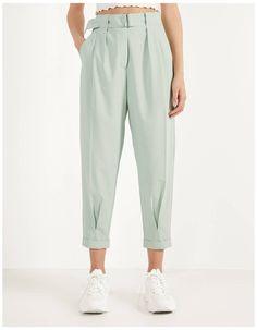 Zara Fashion, Fashion Sewing, Denim Fashion, Fashion Pants, Fashion Dresses, Cute Comfy Outfits, Professional Attire, Pants Pattern, Ideias Fashion