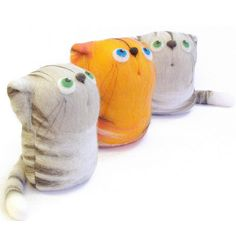 Cats - felt art toys, via Flickr.