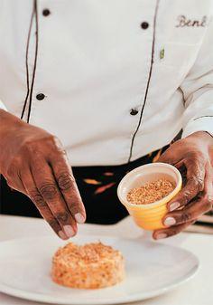 Vatapá de frango: é mais fácil do que parece  A chef Benê Ricardo ensina a fazer o prato acompanhado de arroz de coco.