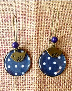 Find the perfect handmade gift, vintage & on-trend clothes, unique jewelry, and more… lots more. Simple Earrings, Simple Jewelry, Bead Earrings, Paper Jewelry, Jewelry Crafts, Beaded Jewelry, Earrings Handmade, Handmade Jewelry, Mixed Media Jewelry