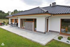 taras z płyt betonowych - Szukaj w Google House Layout Plans, My House Plans, House Layouts, Style At Home, Roof Design, House Design, Single Storey House Plans, House Plans South Africa, Front Yard Garden Design