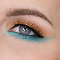 Orange and aqua is a failsafe combination! This 'Bright Copper and Cool Blue' look by rebeccashoresmua shows off Makeup Geek Signature Eyeshadows in Chickadee and Mermaid along with Makeup Geek Foiled Eyeshadows in Pegasus and Untamed.