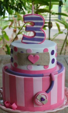 Doc McStuffins cake for a birthday Doc Mcstuffins Birthday Cake, 3rd Birthday Cakes, Twin Birthday, Little Girl Birthday, 3rd Birthday Parties, Surprise Birthday, Doc Mcstuffins, Sugar Paste, Birthday