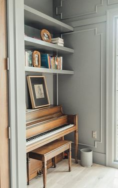 Charming details in this remodel. Love the wainscoting and this vintage like piano tucked in this nook. The Piano, Piano Room Decor, Piano Living Rooms, Home Music Rooms, House Music, Room Interior Design, Home And Living, Decoration, Music Studios
