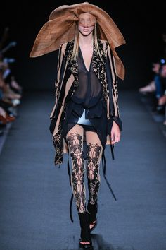 Ann Demeulemeester | Spring 2014 Ready-to-Wear Collection