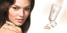 BB krema za ten kao iz snova! Krema predstavlja kombinaciju proizvoda za negu kože i šminke u isto vreme-sve što je vašoj koži potrebno i izgled kakav želite u jednom moćnom proizvodu. 5-u-1 *Celodnevna hidratacija *Zaštitni faktor 30 *Prekriva nedostatke i nesavršenosti *U trenutku ten čini blistavim *Bez ulja Kako se koristi?Ukoliko imate suvu kožu,nanesite BB kremu preko svoje uobičajene hidrantne kreme.Ukoliko imate mešovitu/masnu kožu,BB krema je sve što vam je potrebno!