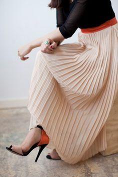 maxi skirt , pleats & high heels = classically timeless PattyonSite™