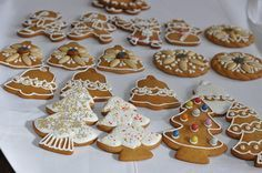 mézeskalács recept trükkök :) Winter Christmas, All Things Christmas, Christmas Crafts, Xmas, Holiday, Gingerbread Cookies, Christmas Cookies, Food Design, Sweet Tooth