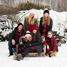 family photo outfits Hey Guys Im so excited to share this family set of patterns with you! Our Crochet Buffalo Plaid Family Hats I designed specifically for our family photo! Winter Family Pictures, Christmas Pictures Outfits, Family Photos What To Wear, Large Family Photos, Family Picture Poses, Family Picture Outfits, Holiday Pictures, Family Photo Sessions, Family Pics