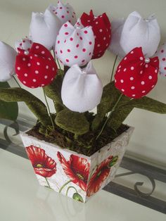 1 million+ Stunning Free Images to Use Anywhere Cloth Flowers, Felt Flowers, Fabric Flowers, Paper Flowers, Diy Valentine's Day Decorations, Valentines Day Decorations, Easy Crafts For Teens, Crafts With Pictures, Valentine Crafts