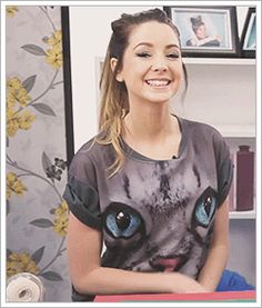 zoella lookbook - Google Search Zoella Makeup, Zoella Hair, Top Youtubers, British Youtubers, Zoella Outfits, Zoe Sugg, Caspar Lee, Vlog Squad, Look Cool
