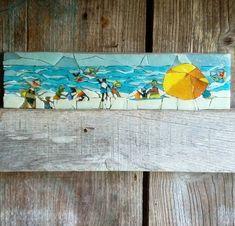 à la plage ...! #mosaïque #michellecombeau #pâtedeverre #plage #vacances #soleil #baignade #été Tile Crafts, Mosaic Crafts, Mosaic Projects, Mosaic Art, Mosaic Tiles, Stone Mosaic, Mosaic Glass, L'art Du Vitrail, Mosaic Portrait