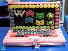 Regalo ideal para los amantes de la tecnología: un portátil comestible hecho con golosinas :)
