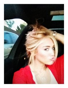 Miley Cyrus blond, new hair color !!! likee