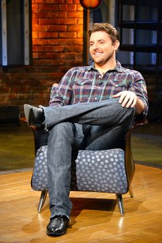 Tweet @ChrisYoungMusic and tell him you saw this photo on CMT.com.