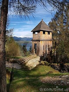 ancient-wooden-fortification-7860614.jpg (338×450)