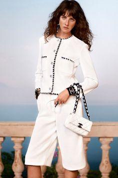 Chanel Resort, Chanel Cruise, Cruise Fashion, Fashion 2020, Fashion News, Runway Fashion, Fashion Outfits, Fashion Trends, Chanel Fashion Show