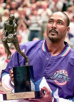 Karl Malone : Classic photos of Karl 'The Mailman' Malone
