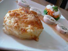 Ballotine de poulet aux scampis, comme une « sauce nantua », gratin dauphinois, petits légumes en brunoise